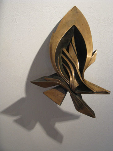 Graffiti sculpture: Glimpse B, 35x25x18cm, bronze, 2009